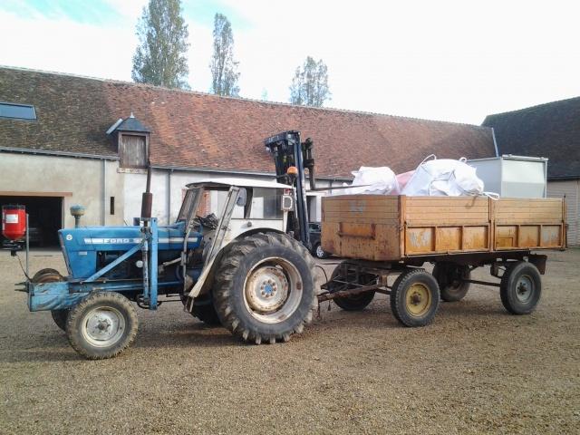 Photos de vos tracteurs - Page 3 12484820121108101839