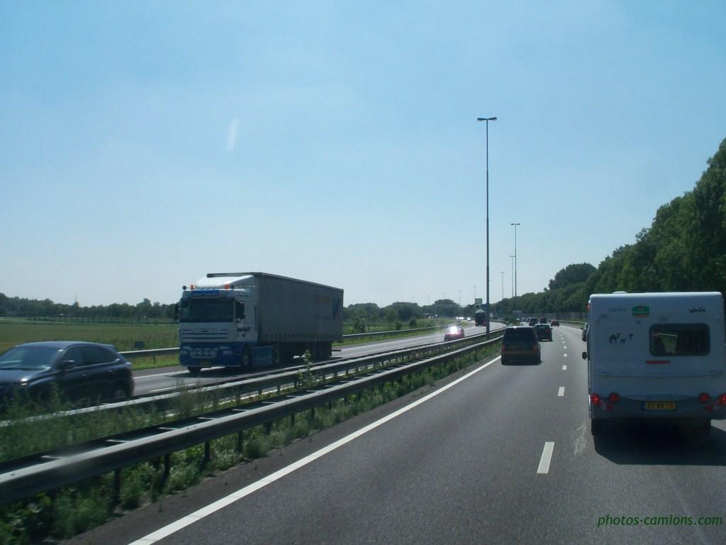 Divers Pays Bas (NL) 125777photoscamions73Copier