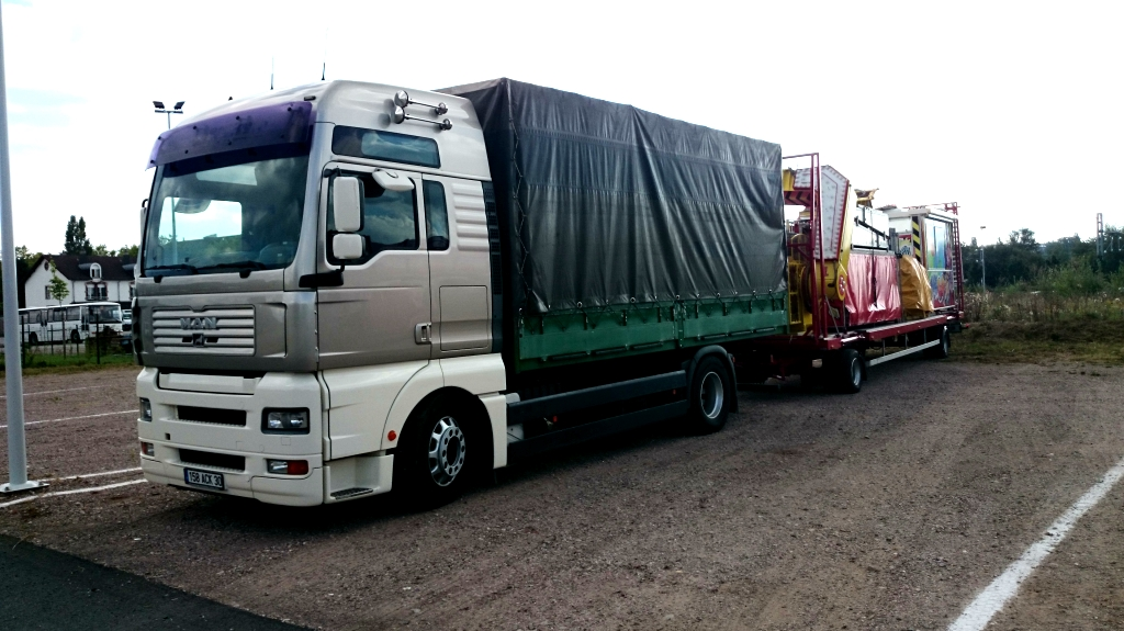 Les camions des Forains 127984DSC0165