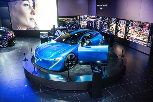 Une nouvelle animation « Augmented Technology » au Peugeot Avenue Paris 131048PeugeotAvenueS14ByAuditoireStephaneAitOuarab30