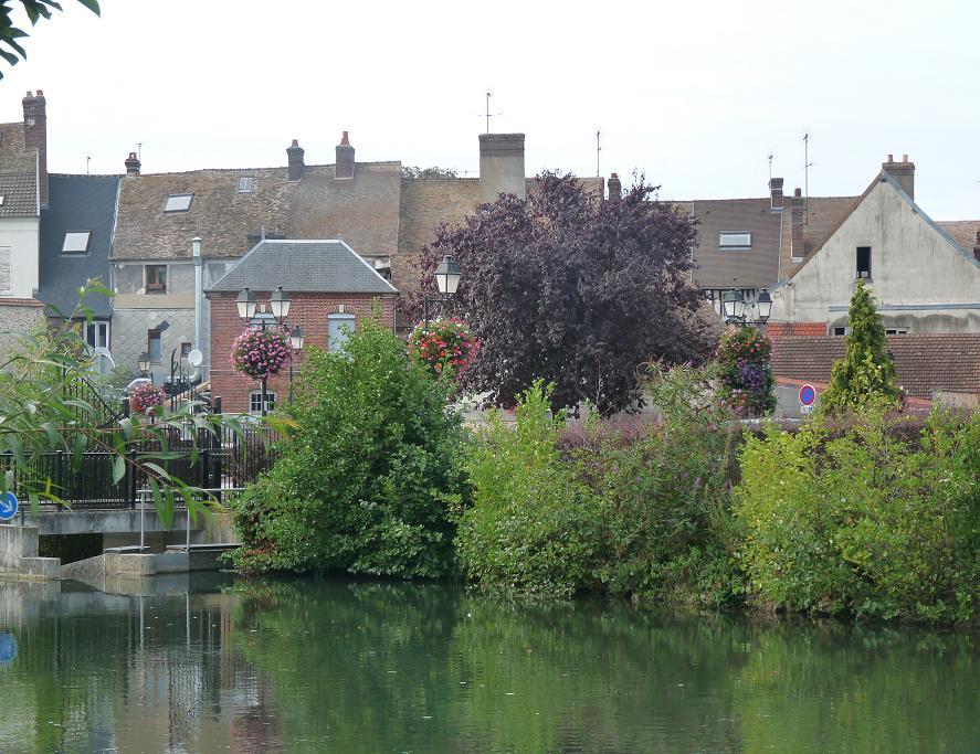 PACY SUR EURE: LE PARIS NORMAND AU COEUR SI TENDRE  - Page 2 133002P1110058
