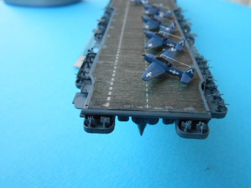 Saratoga CV3  1/700 pont en bois/ PE 133430Sarafini008