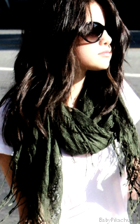 Selena Gomez - 200x320 133804Selena2