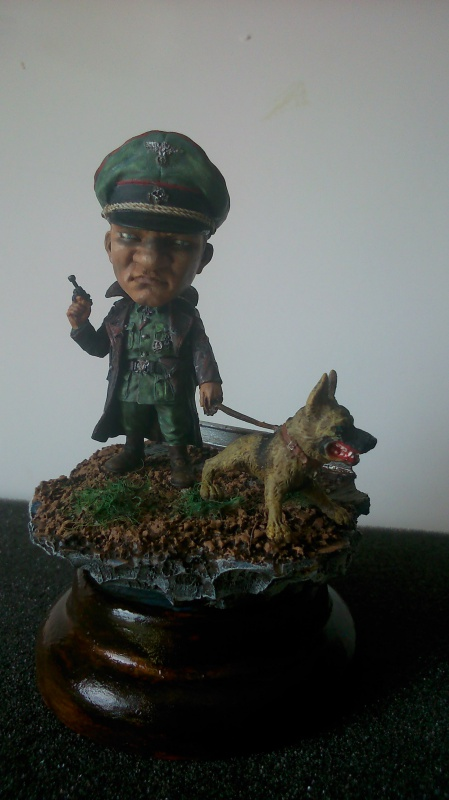 German Officer- The Hunter marque NUT'S PLANET (54 Mm)  133825DSC0001