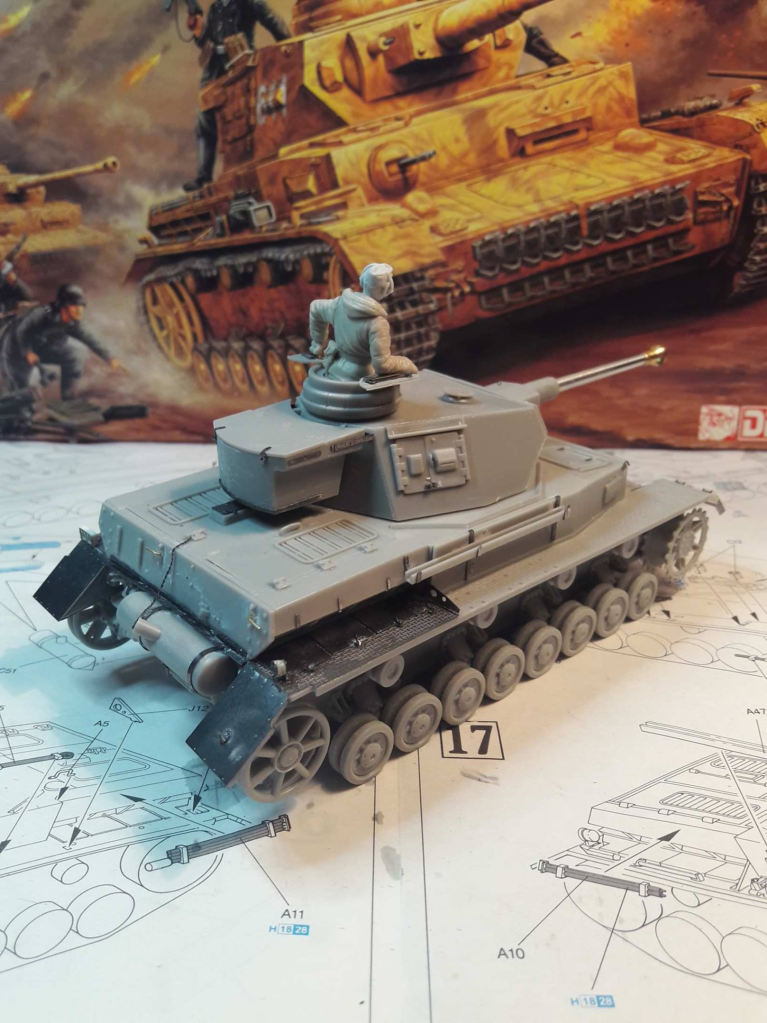 PzKpfw. IV Ausf. F2 - Dragon 13386021125111102121834268354201780189404o