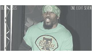 Attitude #14 - MAIN EVENT : Triple H & ??? vs. The TroubleShootaz. 1355371