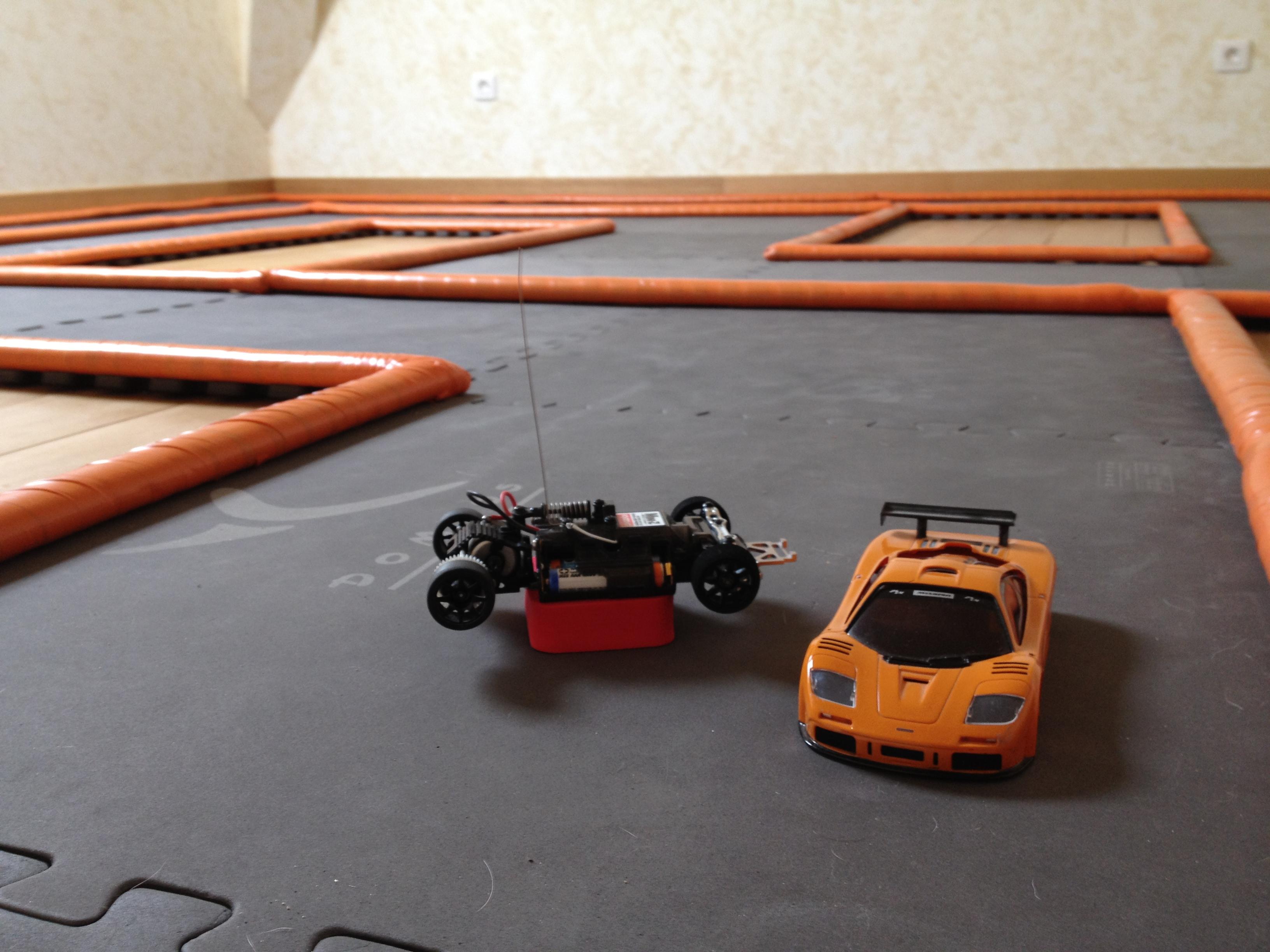 Ma Mini Z MR02 et ma piste perso 138948IMG0074