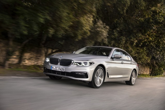 BMW Group au salon de Detroit NAIAS 2017 141389P90244222highResbmw530eiperformanc