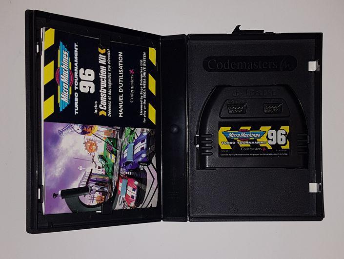 Les differents boitiers de jeux Megadrive 142688238
