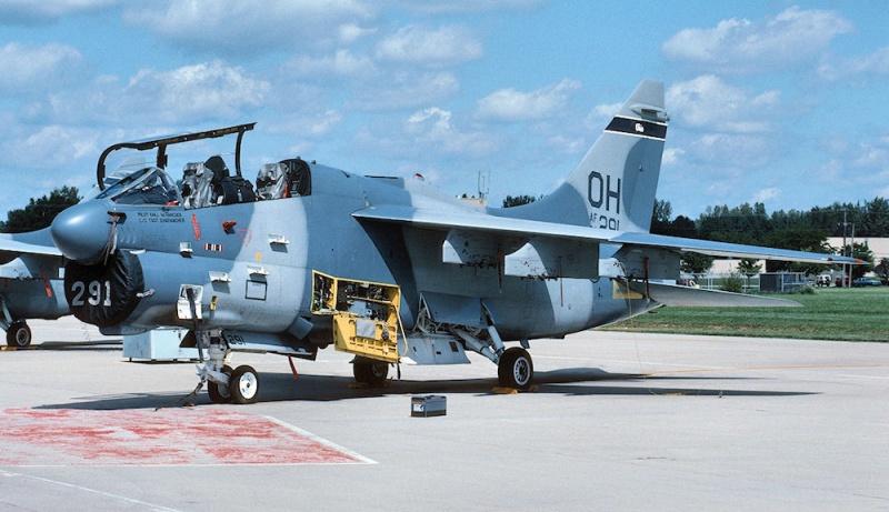 LTV A-7 Corsair II [NOUVELLE VERSION] 143093LTVA7KCorsairII20