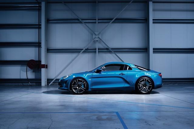 Alpine est de retour - A110, la voiture de sport française agile et compacte 1432828777916
