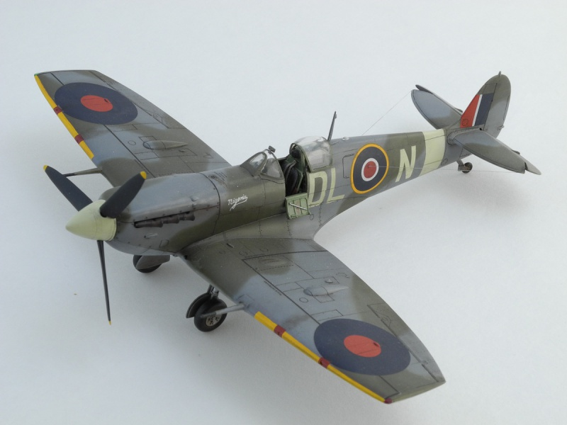 Spitfire XII du 41 RAF Sqn le 7 juin 1944, Airfix (projet AA) 147114SpitV