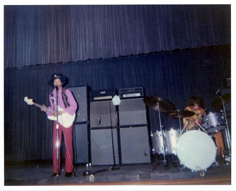 Newark (Symphony Hall) : 5 avril 1968  149121Newark