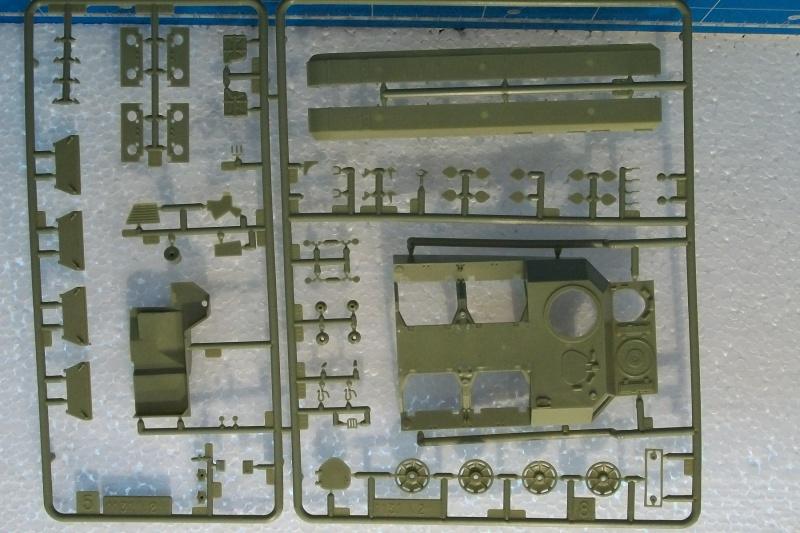 AMX 13 VCI 1/35ème Réf 81140 149820VCI021