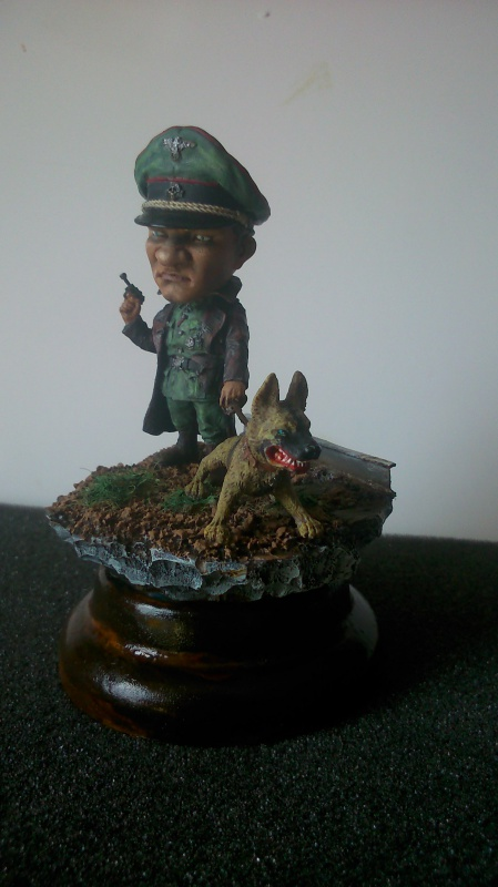 German Officer- The Hunter marque NUT'S PLANET (54 Mm)  151566DSC0002