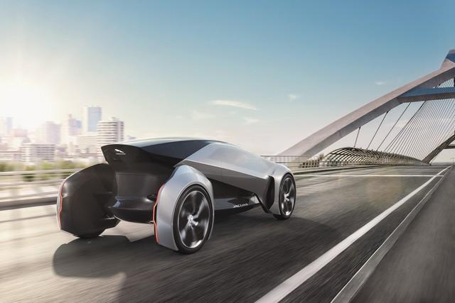 Concept Jaguar Future-Type : La Vision De Jaguar Pour 2040 Et Au-Delà 154566futuretypedynamic02