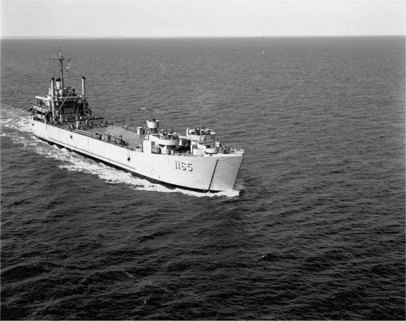 LANDING SHIP TANK (LST) CLASSE NEWPORT  157511USSWashoeCountyLST1165