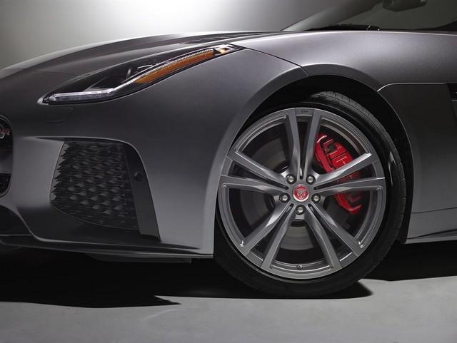 Nouvelle Jaguar F-TYPE SVR : La Supercar Capable D'atteindre 322 km/h Par Tous Les Temps 161150JAGUARFTYPESVR55CONVERTIBLEStudioDetailLowRes