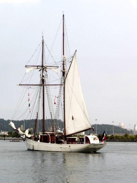 [ Marine à voile ] Vieux gréements - Page 2 16607042b