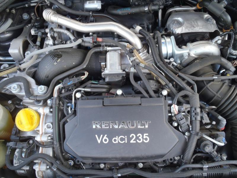 [neutron] Laguna coupé III GT 3.0L dci V6 171208P5250684