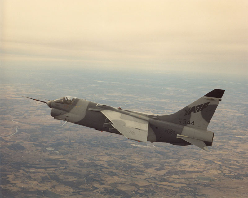 LTV A-7 Corsair II [NOUVELLE VERSION] 180321LTVYA7FCorsairII4