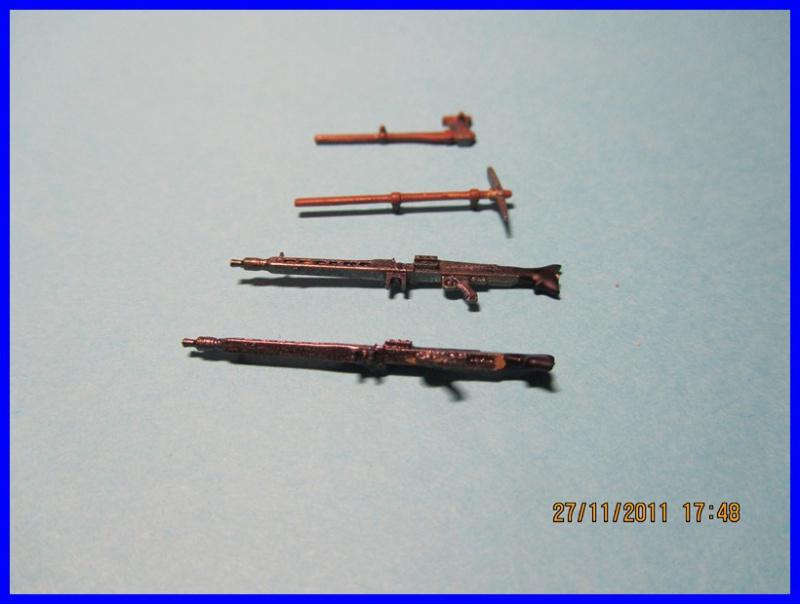 Mtl.SPW.Sd.Kfz.251/1Ausf.D mit Schwerer Wurfrahmen 40 STUKA ZU FUSS  1/35 de TAMIYA - Page 2 183093IMG0885800x600
