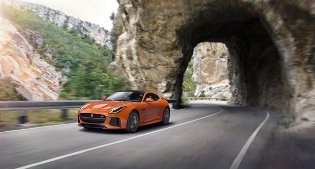 Nouvelle Jaguar F-TYPE SVR : La Supercar Capable D'atteindre 322 km/h Par Tous Les Temps 185655JAGUARFTYPESVR05COUPELocationLowRes