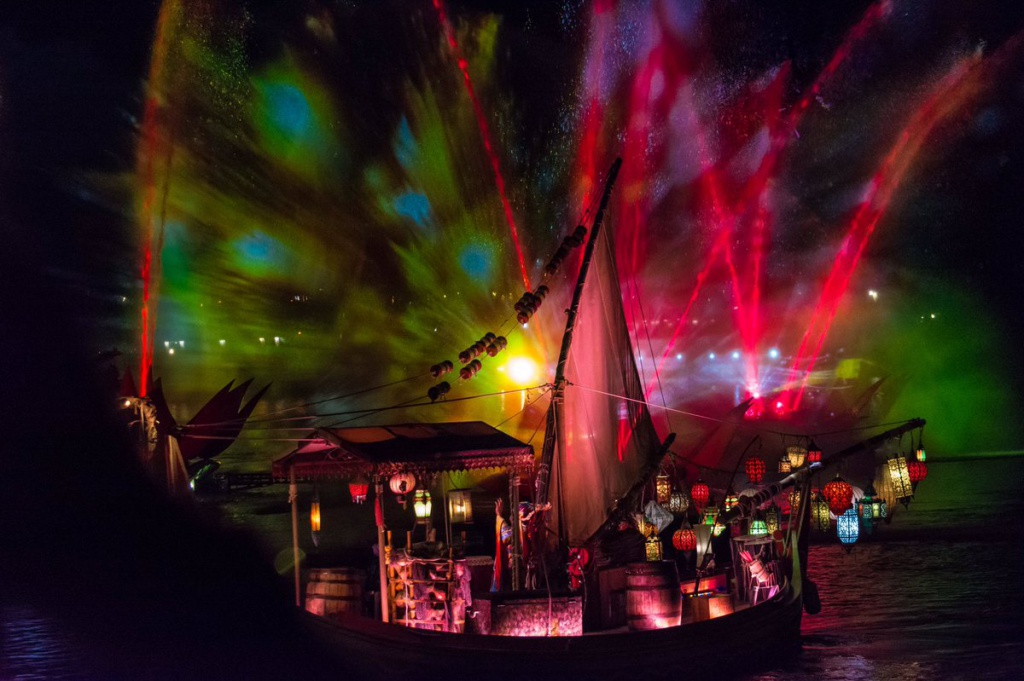 [Disney's Animal Kingdom] Nouveaux divertissements nocturnes: Rivers of Light, Tree of life Awakenings, The Jungle Book Alive with Magic ... - Page 13 188568Riversoflight3