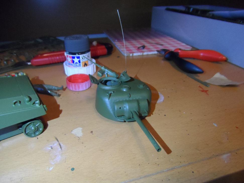 M4 Sherman late production Tamiya 1/35 - Page 2 191934SAM0383