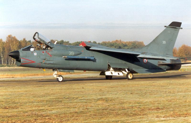 LTV A-7 Corsair II [NOUVELLE VERSION] 198879VoughtCrusaderfranais