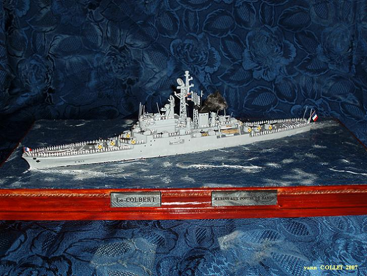 Le Croiseur COLBERT, Heller 1/400 +photodecoupe + resine 20280046s5
