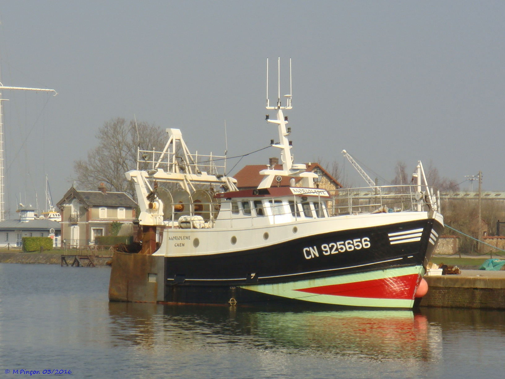 [VIE DES PORTS] Quelques bateaux de pêche (sur nos côtes Françaises) - Page 21 204808DSC010143
