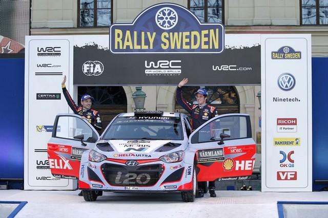 Hyundai Motorsport signe un spectaculaire podium en Suède avec Thierry Neuville 204905132825Neuville02SWE15aa669