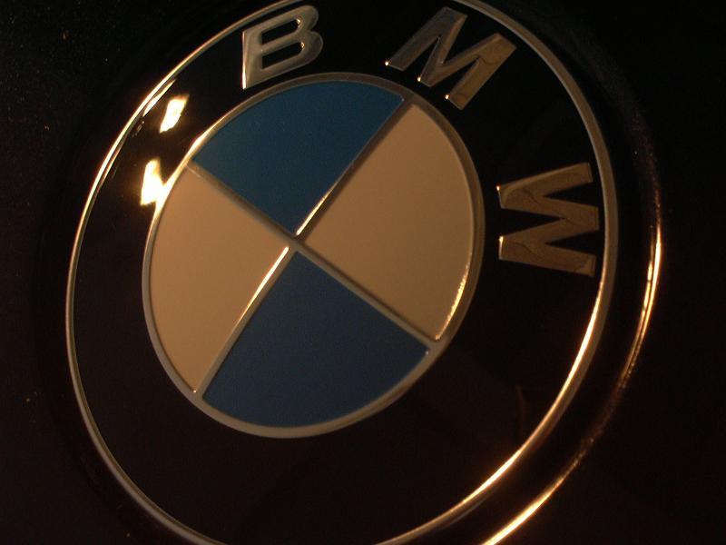[BMW 530 d E39] Renaissance d'un Cosmos Schwarz Metallic 204975P1000792