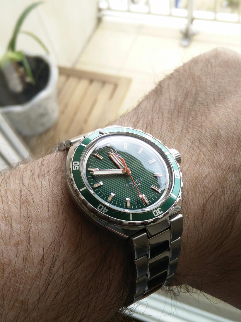 La montre du vendredi, le TGIF watch! - Page 6 207027Neptune1
