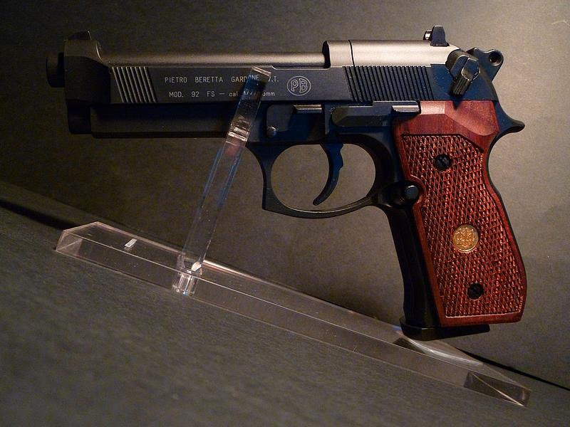 KorteX - Mes Armes 214634Beretta92Bois3