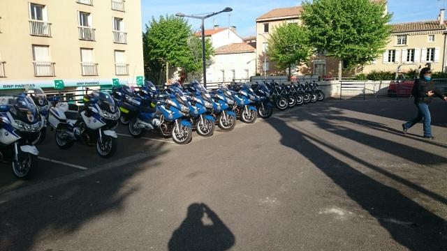 CR & Photos & Vidéo : TSO 03/05/15 La Gendarmerie en Balade et Spectacle à Castelnaudary  216723Gend02