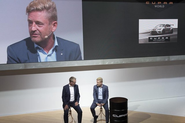 SEAT, première marque automobile en Europe à intégrer Amazon Alexa dans ses véhicules 219555SetRatioSize900650SEATCUPRARPressTalk5