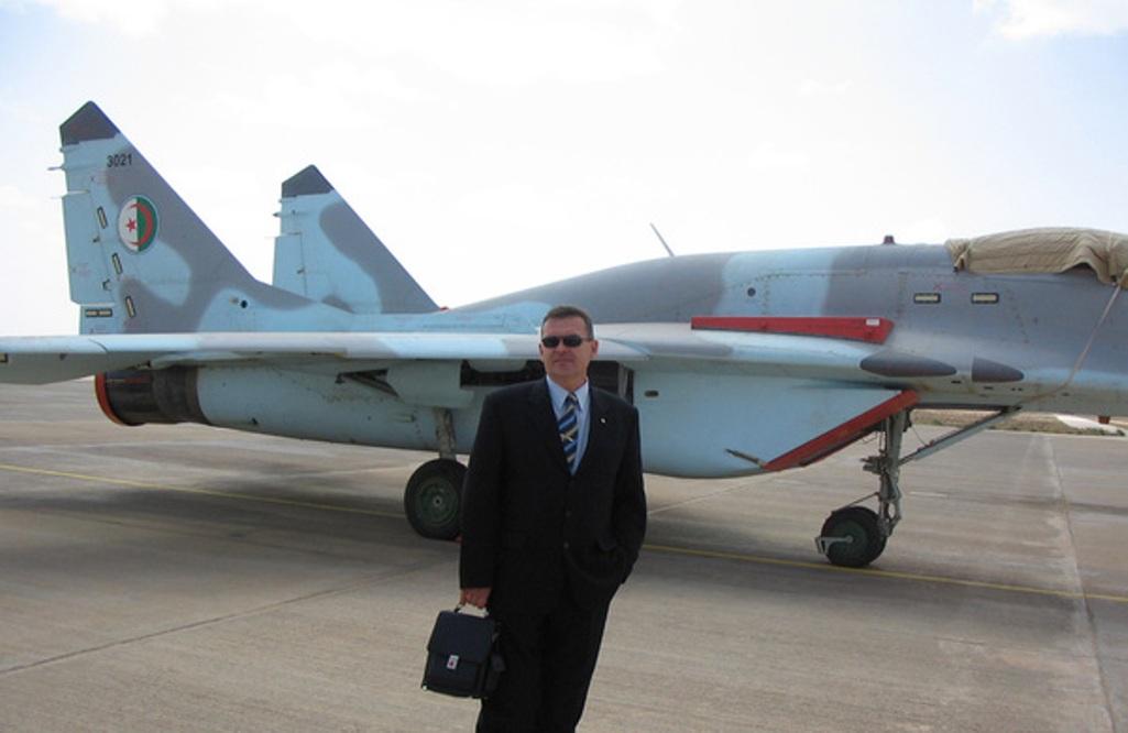 موقع Defence Blog : مصر تتسلم أول مقاتلتين من طراز MIG-35 قريباً  - صفحة 7 219881algeria2007026zt4
