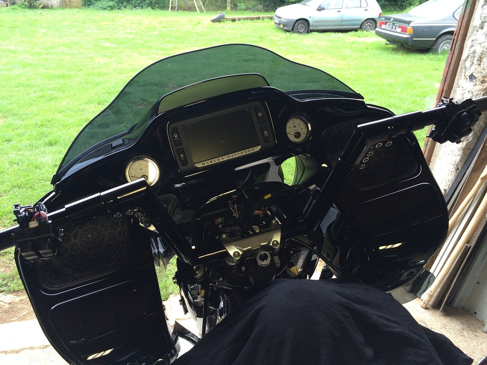 MODIFICATIONS ROAD GLIDE 2015 - Page 7 225030IMG5358