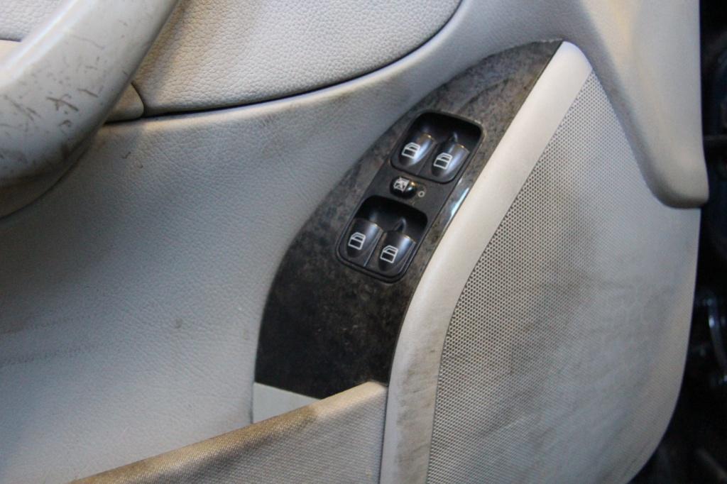Pulizia Interni in Pelle - Mercedes C220 LETAMAIO 230190IMG1387