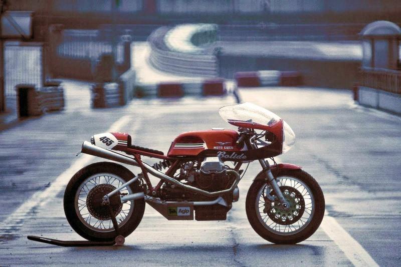 Guzzi... juste l'essentiel des Café Racer - Page 41 2307751027558164333791242740531435558377052890o