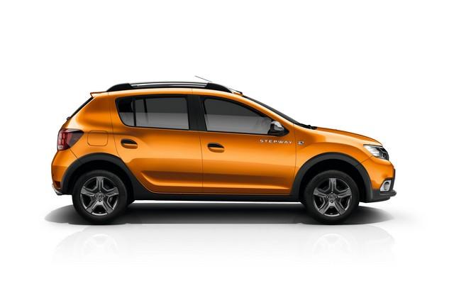 Et de quatre ! La famille Stepway s'agrandit avec Nouvelle Dacia Logan MCV Stepway 2316388737016