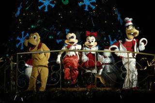 Saison de noël : Le Noël Enchanté Disney du 7 novembre 2011 au 8 janvier 2012 232900n010412
