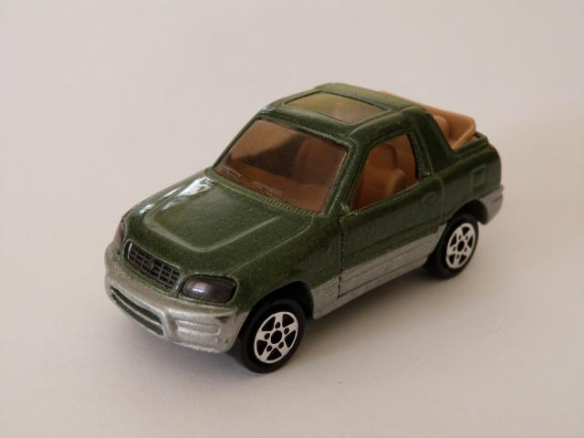 N°230 Toyota RAV4 233242P1070149