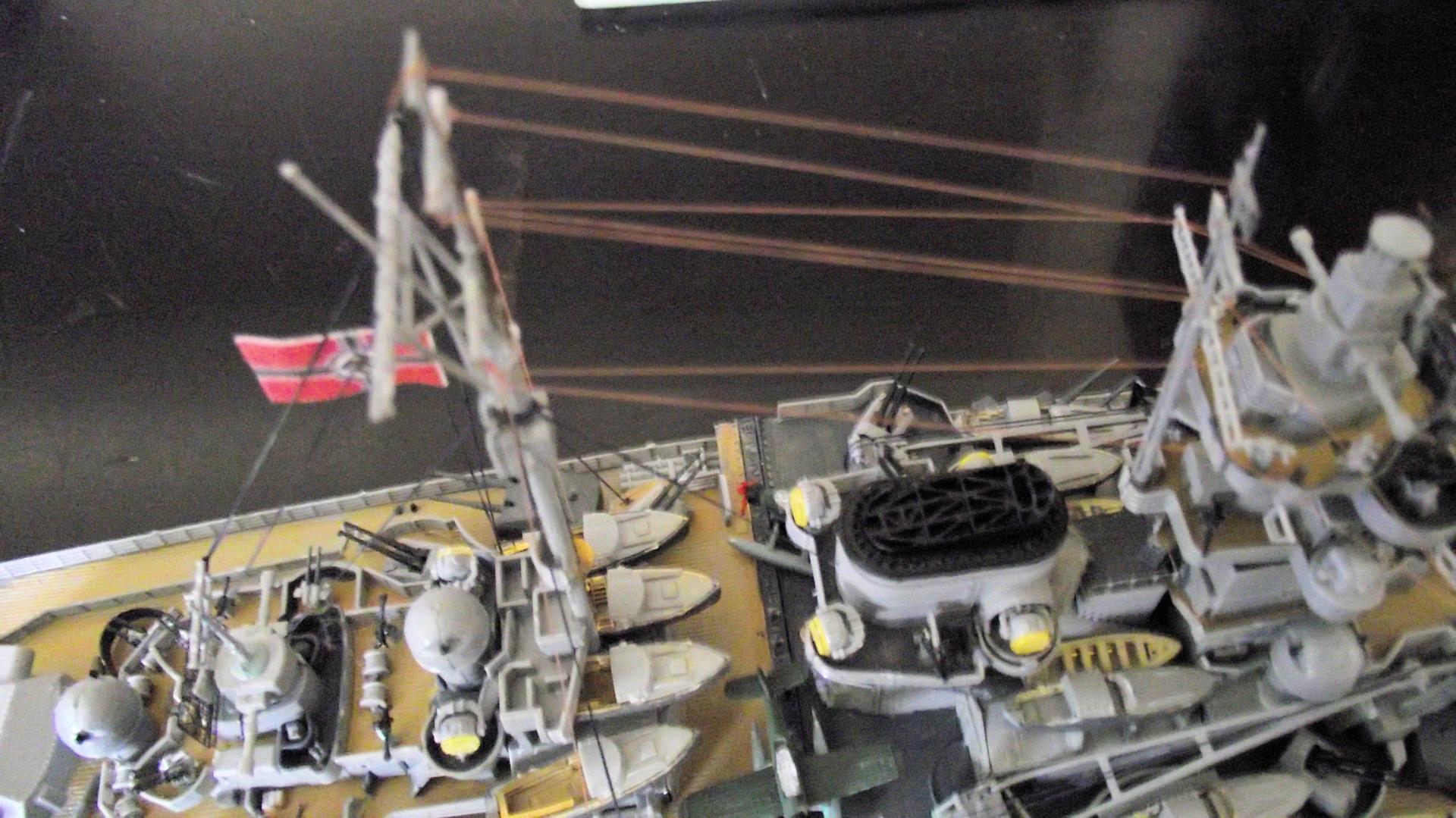 Tirpitz Revell au 1x350 avec PE - Page 2 234703TirpitzRevell1x35030