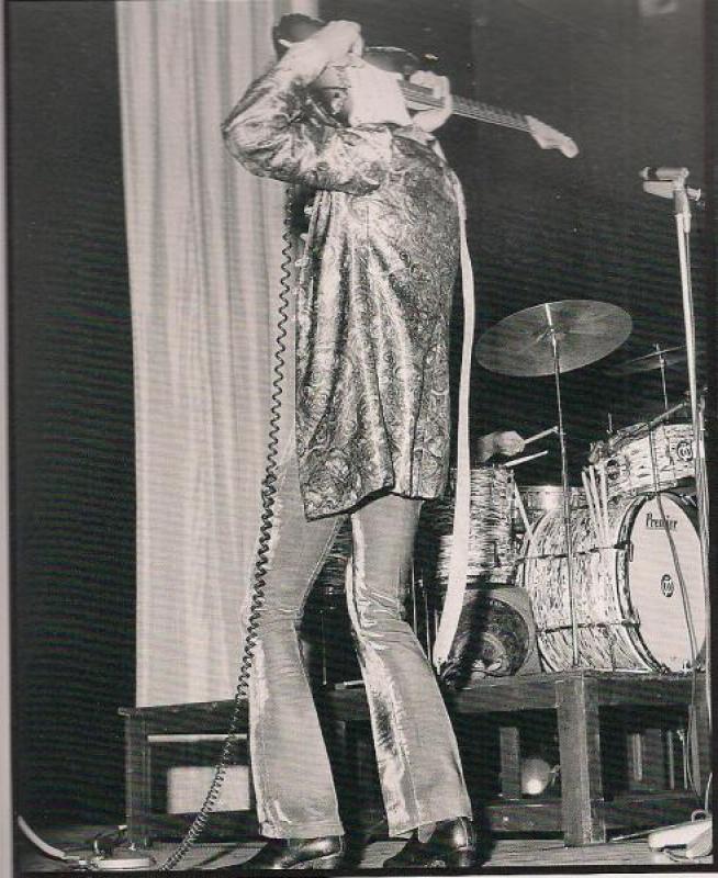 Londres (Saville Theatre) : 7 mai 1967 [Premier concert] 236577scanjpg0008880000040