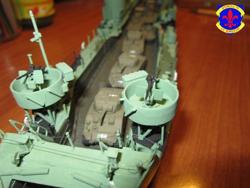 U.S. Navy Landing Ship Médium (Early) au 1/144 de Revell par Pascal 94 - Page 14 236790IMG44191