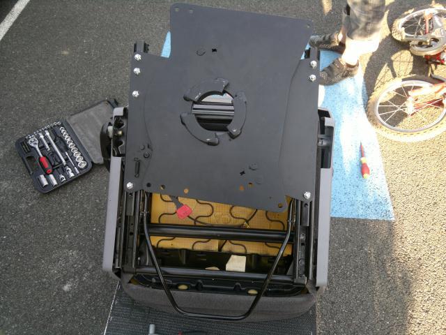 Montage embase pivotante siege passager vito F 2001 23679808052011450