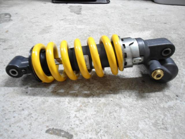 AMORTISSEUR CBR 929 RR  vendu 237555DSC00836